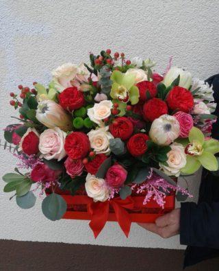Цветы в коробке №27